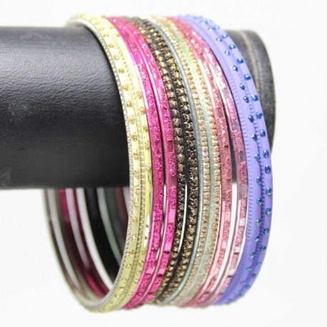 12 Bracelets Traditionnels - Adulte 7 cm