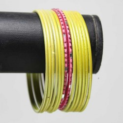 14 Bracelets Traditionnels - Adulte 6.5 cm