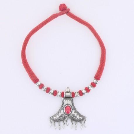 Collier coton rouge pendentif