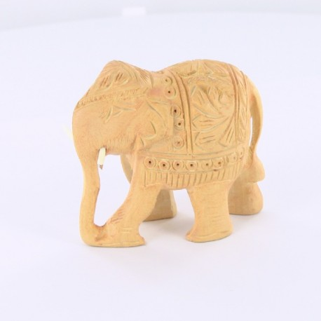 elephant en bois sculpté